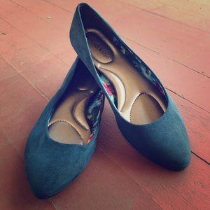 Kelly & Katie Blue Ballet Flats Size 6.5